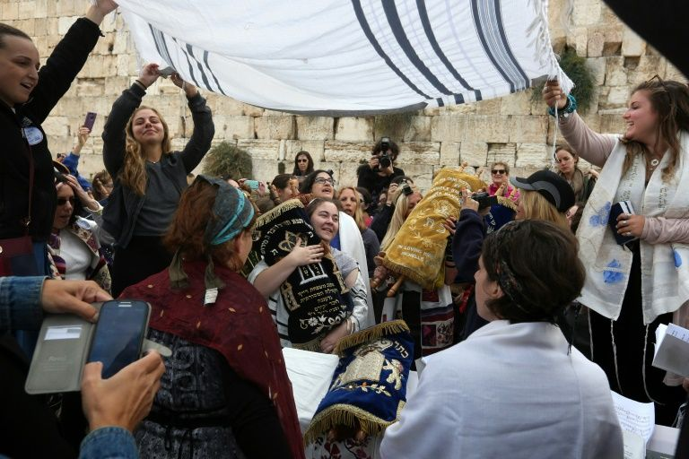 Israël: le cabinet suspend le plan d'espace mixte au Mur des Lamentations