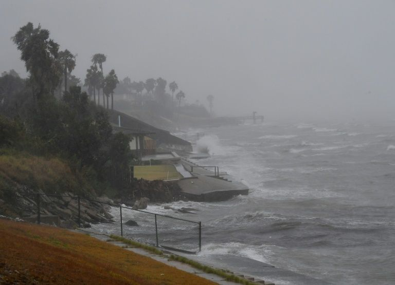 Texas : premières évacuations devant l'arrivée de l'ouragan Harvey