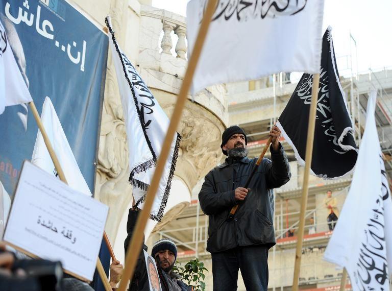 """Tunisie: un parti islamiste radical appelle à """"enterrer"""" la démocratie"""