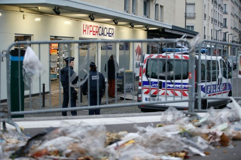 10 arrested in probe of Paris attacks