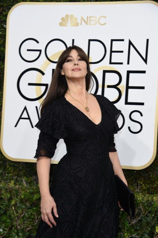 L'actrice Monica Bellucci sur ke tapis rouge des Golden Globes, le 8 janvier 2017s