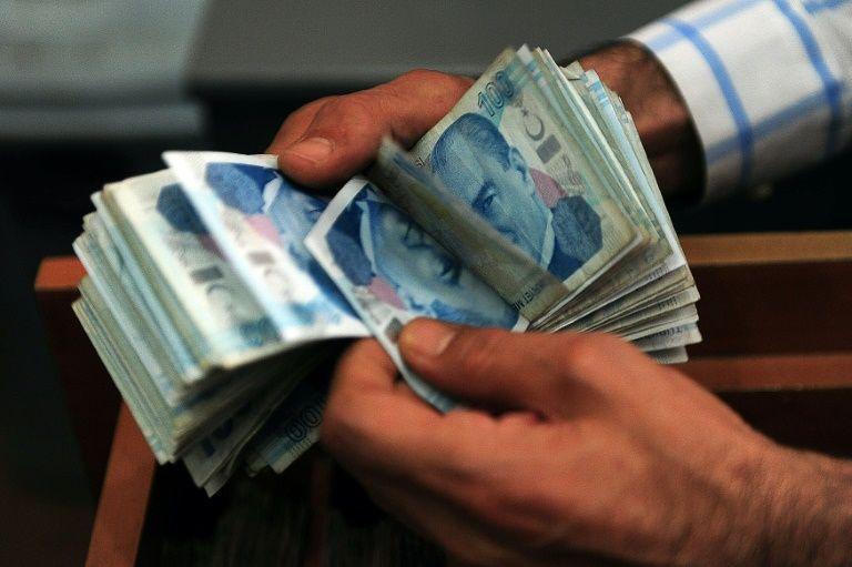 Turkey's lira plummeted after talks between Davutoglu and Erdogan failed to lead to a resolution