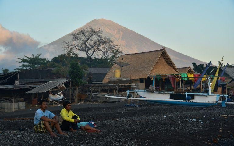Bali volcano fears spark exodus of 75000