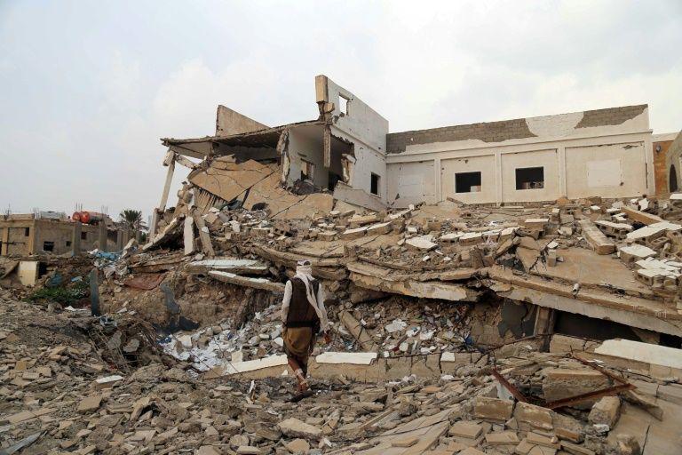Yemen cholera outbreak kills 25 people in a week