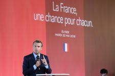"""Quartiers: Macron déplore un discours raciste et antisémite """"en train d'empirer"""""""