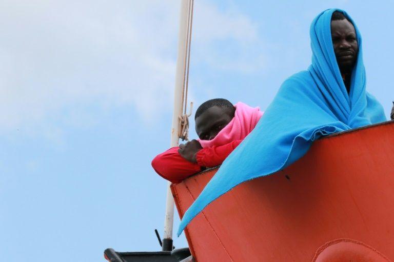 Au moins 126 migrants disparus après un naufrage — Méditerranée