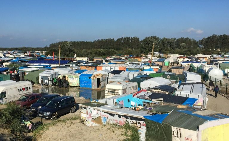 """Vue sur la """"Jungle"""" de Calais, le 13 octobre 2016"""