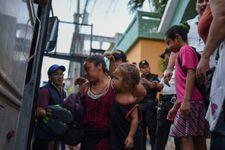 Mexico ouvre sa frontière avec le Guatemala à des femmes et des enfants