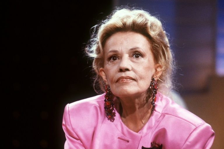 Tributes pour in for late actress Jeanne Moreau