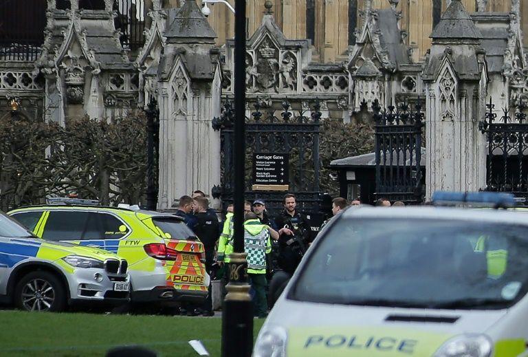 Attentat à Londres: 4 morts dont l'assaillant et un policier, et 20 blessés