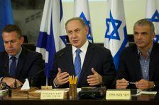"""A Haifa, le 27 novembre 2016, le Premier ministre israélien Benjamin Netanyahu a salué les soldats qui ont """"repoussé avec succès une tentative d'attaque au point de convergence des trois frontières"""" libanaise, syrienne et israélienne."""