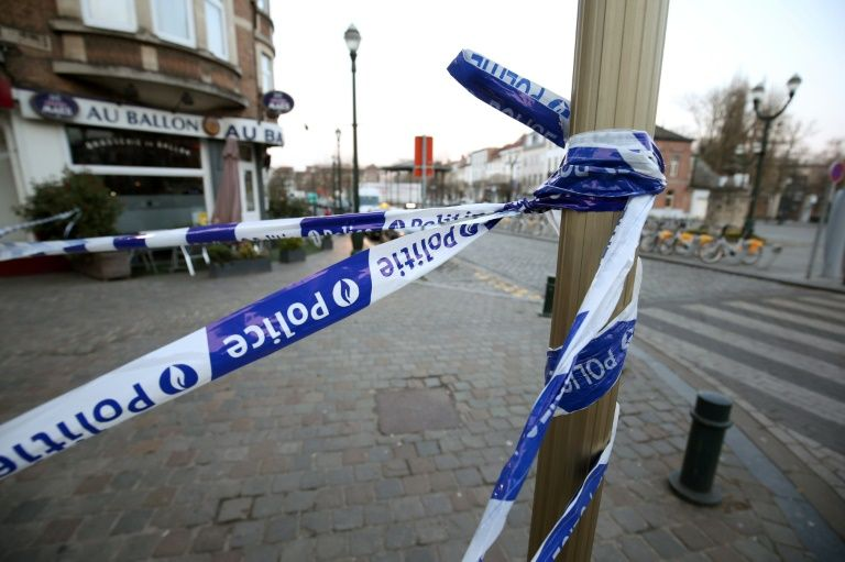 Cordon de sécurité autour de la place Saint Denis - Sint-Denijsplaats, au lendemain d'une fusillade lors d'une perquisition en lien avec les attentats de Paris, le 16 mars 2016, en Belgique