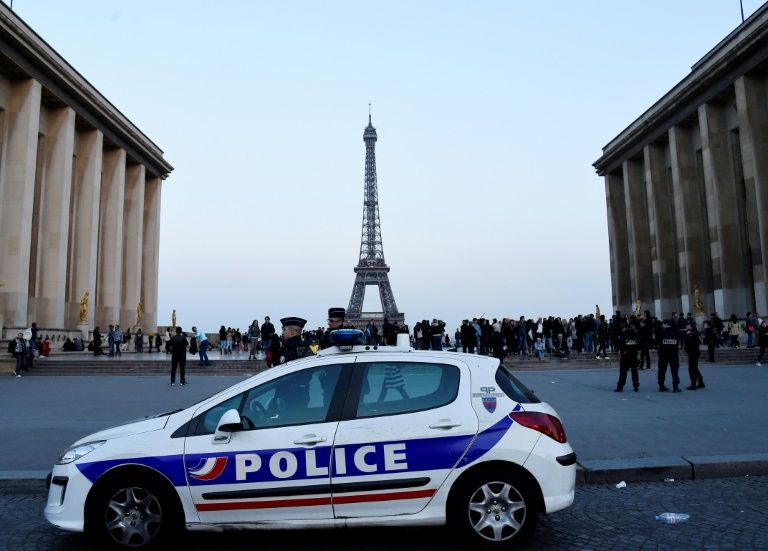 Officials reveal contents of note carried by Paris gunman