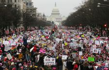 Thousands join US women's march despite anti-Semitism controversy