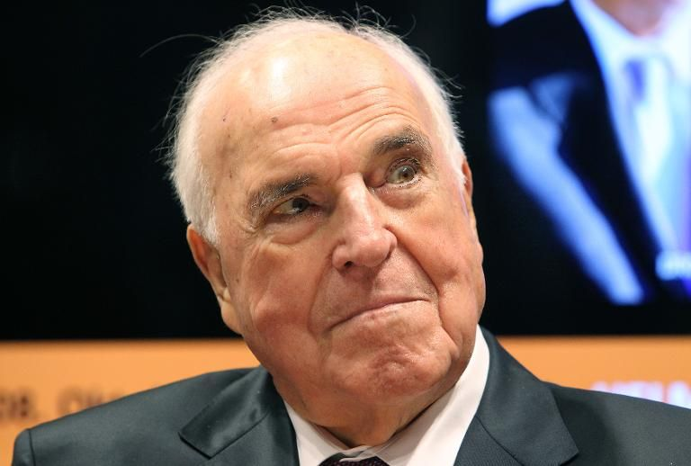 Tributes pour in as 'father of German unification' Helmut Kohl dies