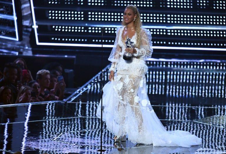 Beyoncé sur la scène des  des Vidéo Music Awards (VMA) le 28 août 2016 à Madison Square Garden à New York
