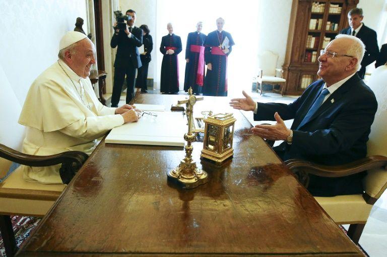 i24news vatican demande d 39 une reprise des n gociations avec les palestiniens. Black Bedroom Furniture Sets. Home Design Ideas