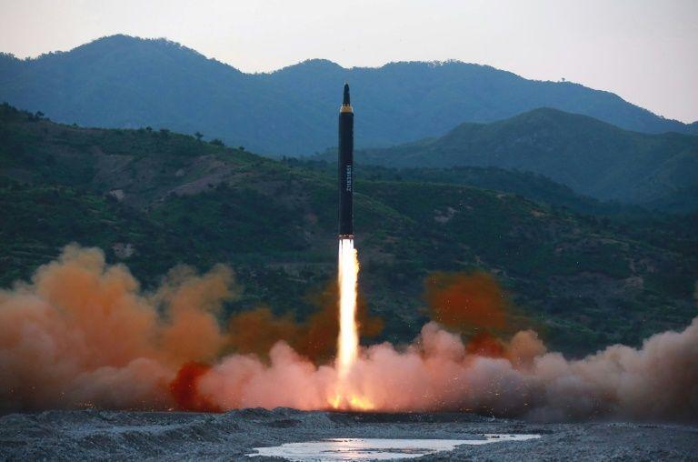 La Corée du Nord tire une salve de missiles en mer
