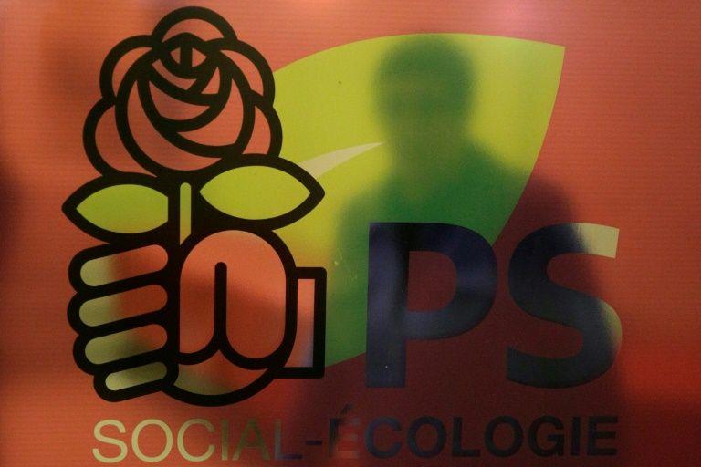 Le changement, c'est maintenant! Réuni en Conseil national samedi, le Parti socialiste va se doter d'une nouvelle direction collégiale d'une quinzaine de membres, placée sous le signe du renouvellement, et dont devraient être absents les proches de Benoît