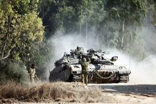 IDF tank fires into Gaza in response to explosive device on border