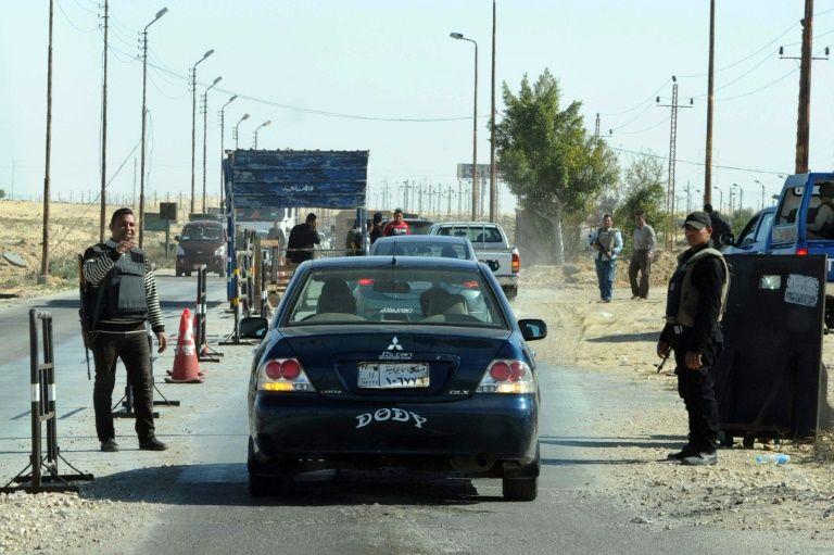 Contrôle de la police égyptienne au nord du Sinaï le 31 janvier 2015STR
