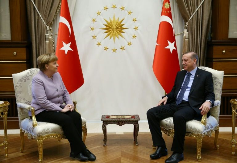 أردوغان يهاجم برلين ويتهم صحفيا ألمانيا بالتجسس