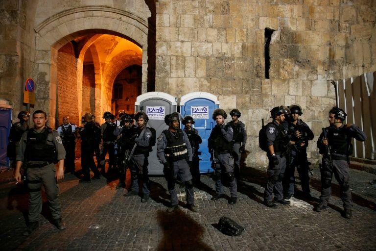 Temple Mount crisis: Israel decides to remove metal detectors