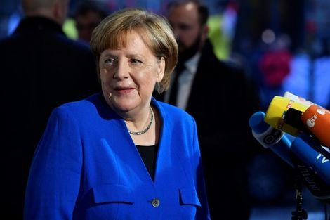 La chancelière allemande Angela Merkel arrive au siège du SPD pour des discussions avec les sociaux-démocrates, le 11 janvier 2018 à Berlin