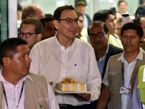 Pérou: Martin Vizcarra prête serment et devient le nouveau président
