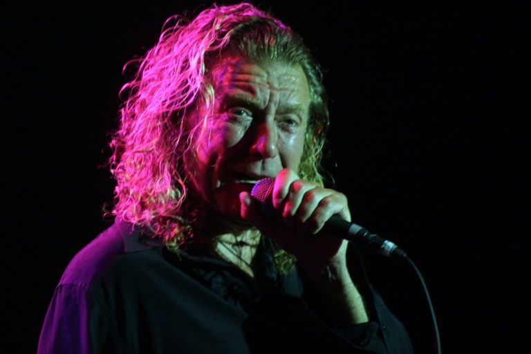 I24news to laughter in court led zeppelin lead singer says he can