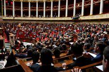 France: l'Assemblée vote le doublement de la durée de rétention à 90 jours