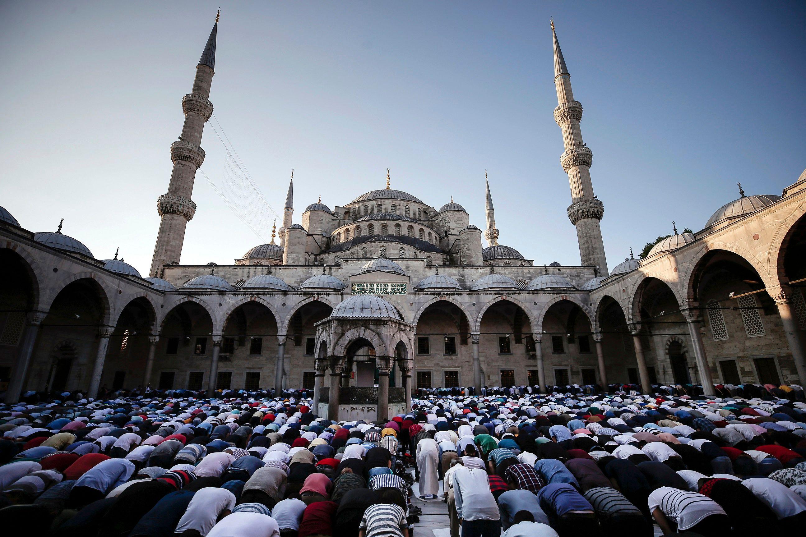 Muslims around the world celebrate Eid al-Fitr, bringing Ramadan to a close