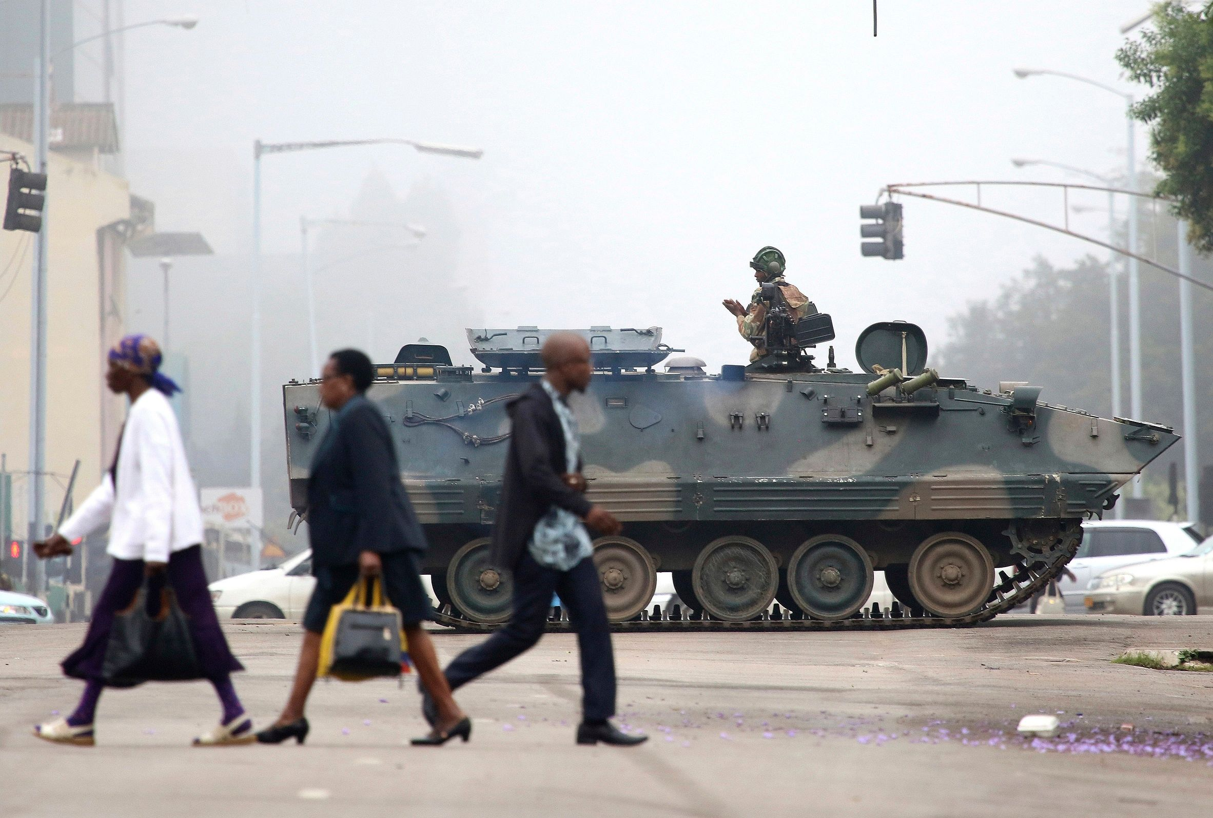 zimbabwes army takes power - HD 2048×1536