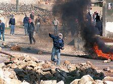 """Décembre 1987; première Intifada, ou """"Révolte des pierres"""""""