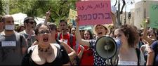 """Israël: des milliers de personnes à la """"marche des salopes"""" à Tel-Aviv"""