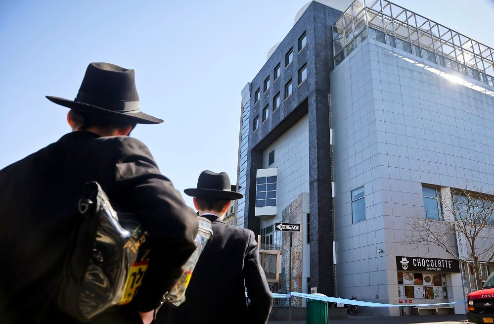 Los Angeles synagogue buildings closed on Shabbat over bomb threats