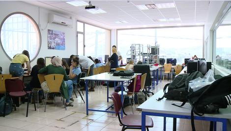 Israeli tech center bridges gaps between Arabs and Jews