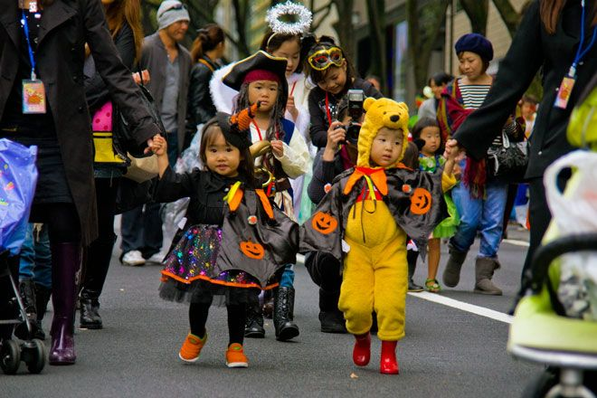 i24NEWS - Japan's yakuza mob cancels Halloween trick-or-treat