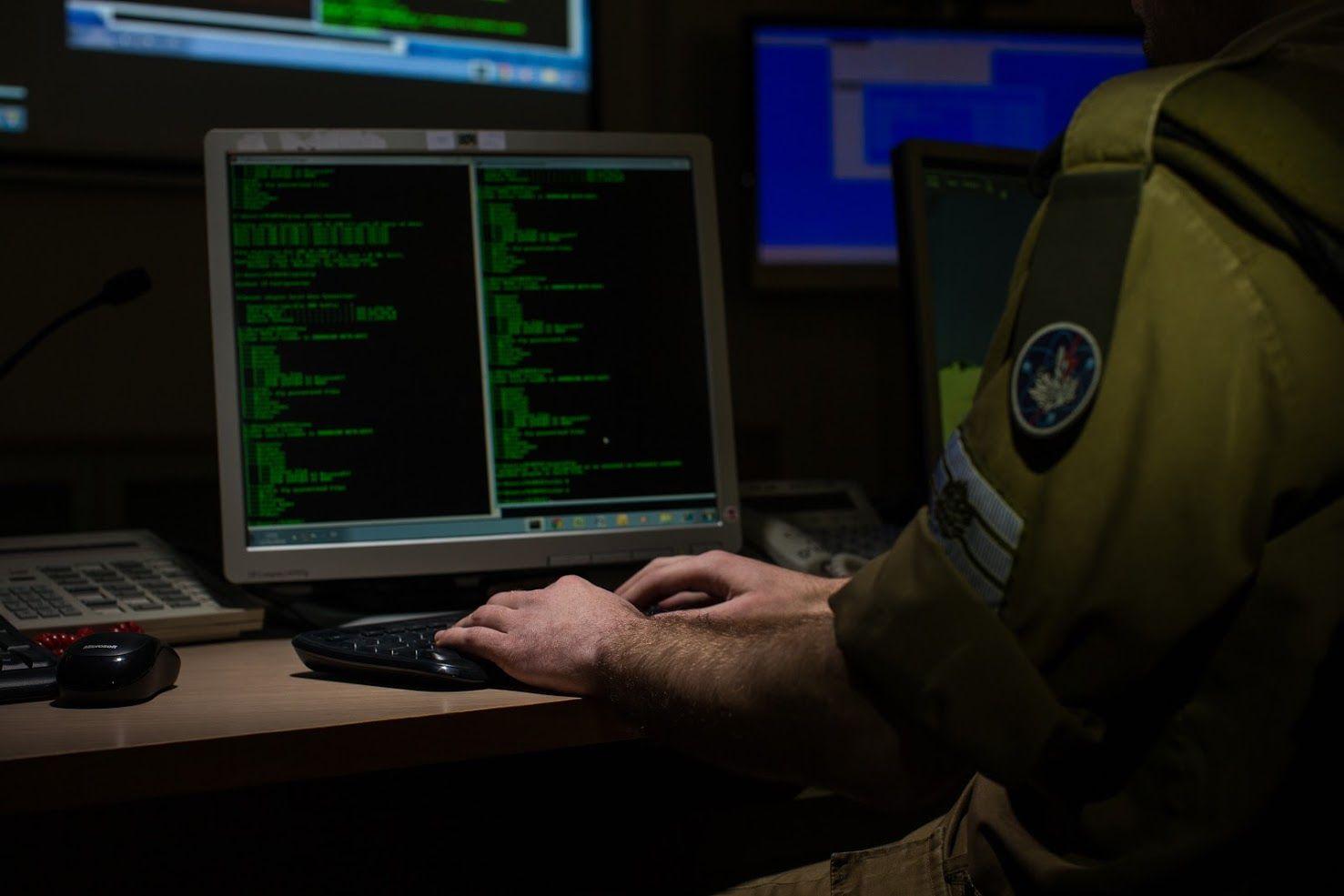"""Cyberattaque: """"l'une des plus grandes jamais organisées"""" (haut gradé à i24NEWS)"""
