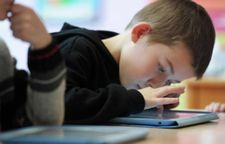 Apple prié de lutter contre l'addiction des enfants aux iPhone
