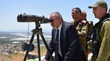 Le ministre israélien de la Défense Avigdor Lieberman à la frontière nord le 7 juin 2016