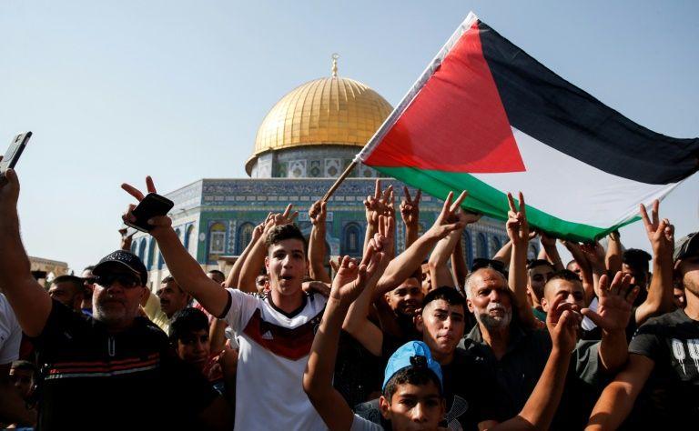 Retour des fidèles à al-Aqsa: heurts entre Palestiniens et police israélienne