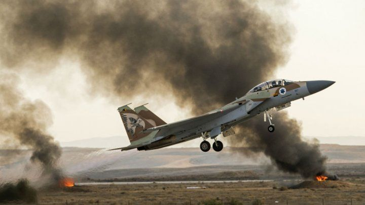 Israël cible des positions syriennes en représailles aux tirs de projectiles