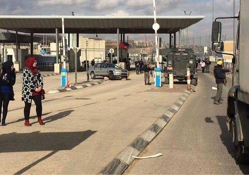 Cisjordanie: attaque au couteau au point de passage de Qalandiya