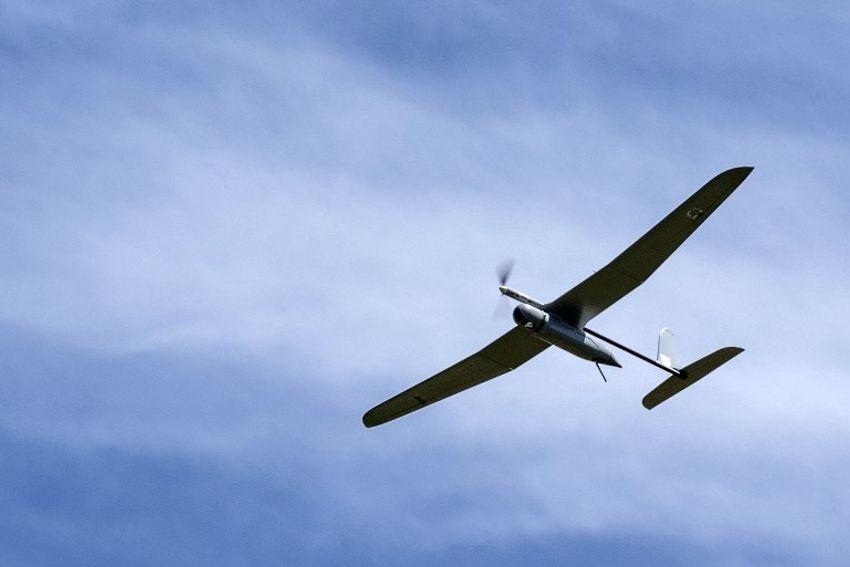 A aeronave não tripulada Skylark I (Rochev Shamayim) de um exército israelense usada para fins de monitoramento voa ao longo da fronteira entre Israel e o Líbano, em 21 de abril de 2014