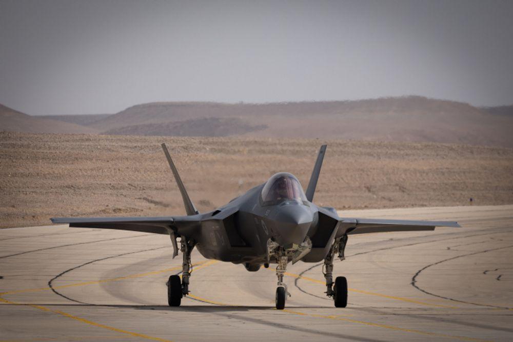 الطائرة المقاتلة أدير (F-35I) التي شوهدت خلال تمرين تدريبي جوي دولي لـ العلم الأزرق في قاعدة عوفدا الجوية ، جنوب إسرائيل ، 11 نوفمبر ، 2019.
