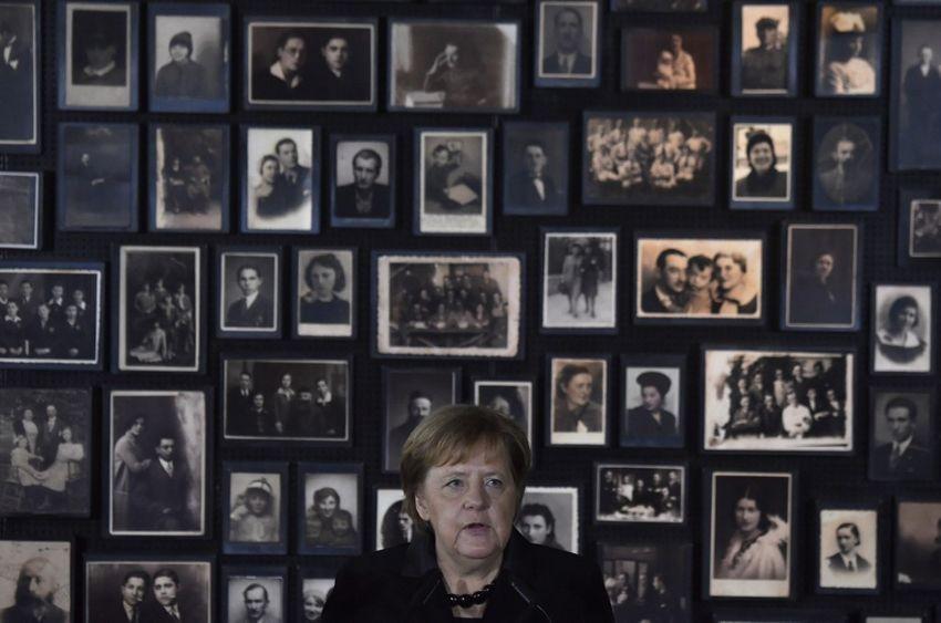 """Résultat de recherche d'images pour """"A Auschwitz, Merkel insiste sur le devoir de mémoire allemand i24news"""""""