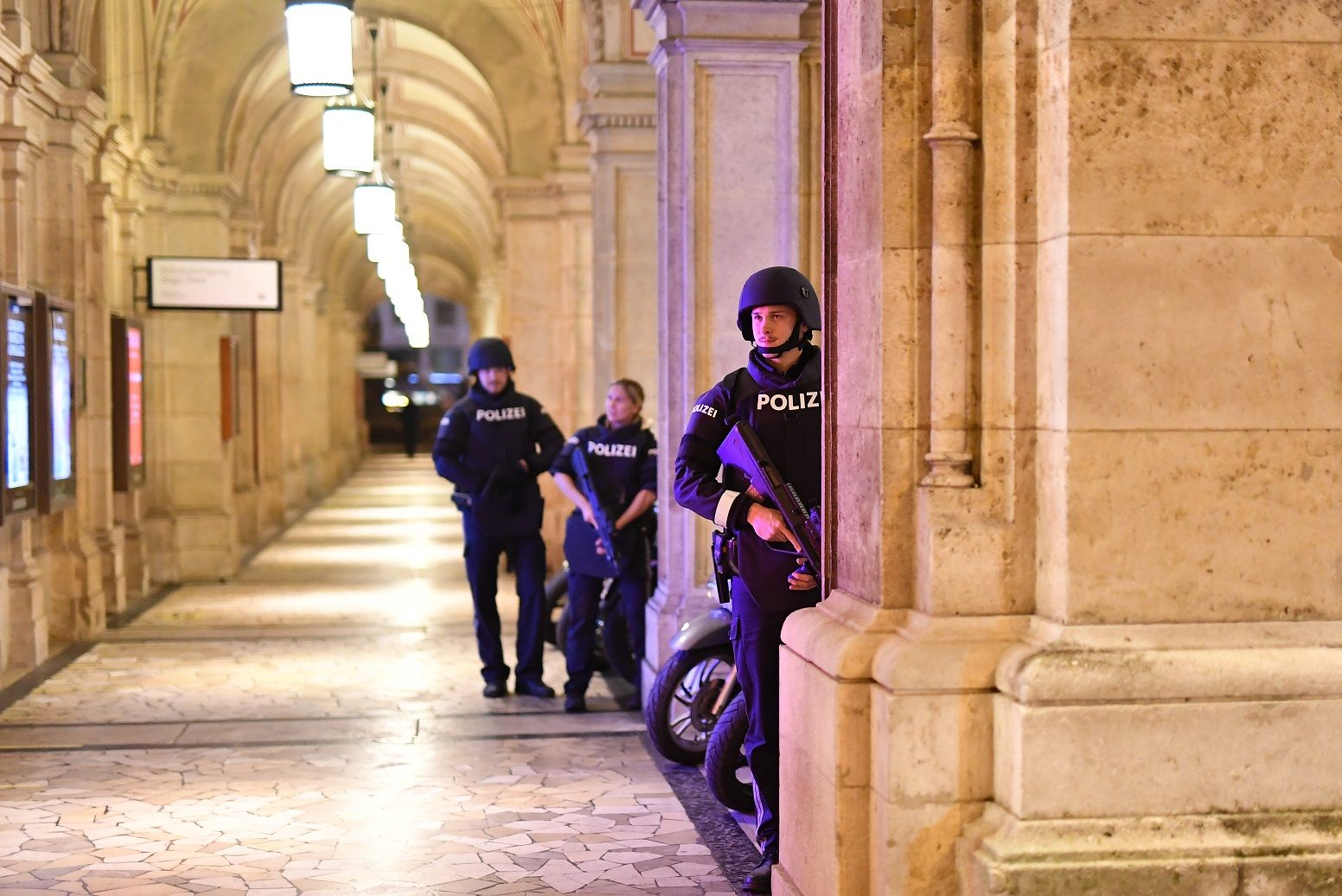 i24NEWS - Austria: At least one killed, several injured in suspected Vienna terror attack