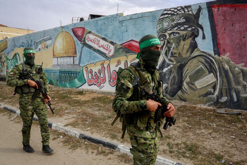 Des membres de la brigade Izz al-Din al-Qassam, la branche armée du Hamas, dans le sud de la bande de Gaza, le 27 avril 2020.