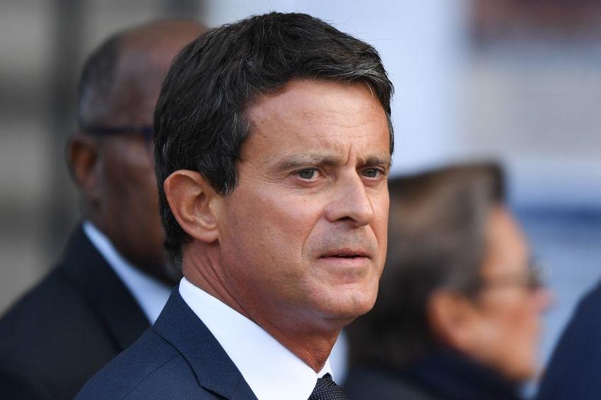 L'ancien Premier ministre français Manuel Valls arrive pour assister à un service religieux pour l'ancien président français Jacques Chirac à l'église Saint-Sulpice à Paris le 30 septembre 2019.